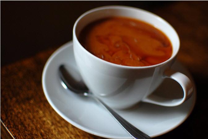 café à l'huile de coco infusé de cannabis