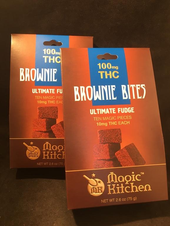 Magic kitchen ultimate fudge brownies 100mg edible for Magic kitchen menu
