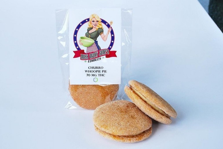 Miss Mary Jane- Churro Whoopie Pie 100MG | Edible | Show Grow